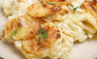 картошка со сливками и сыром в мультиварке