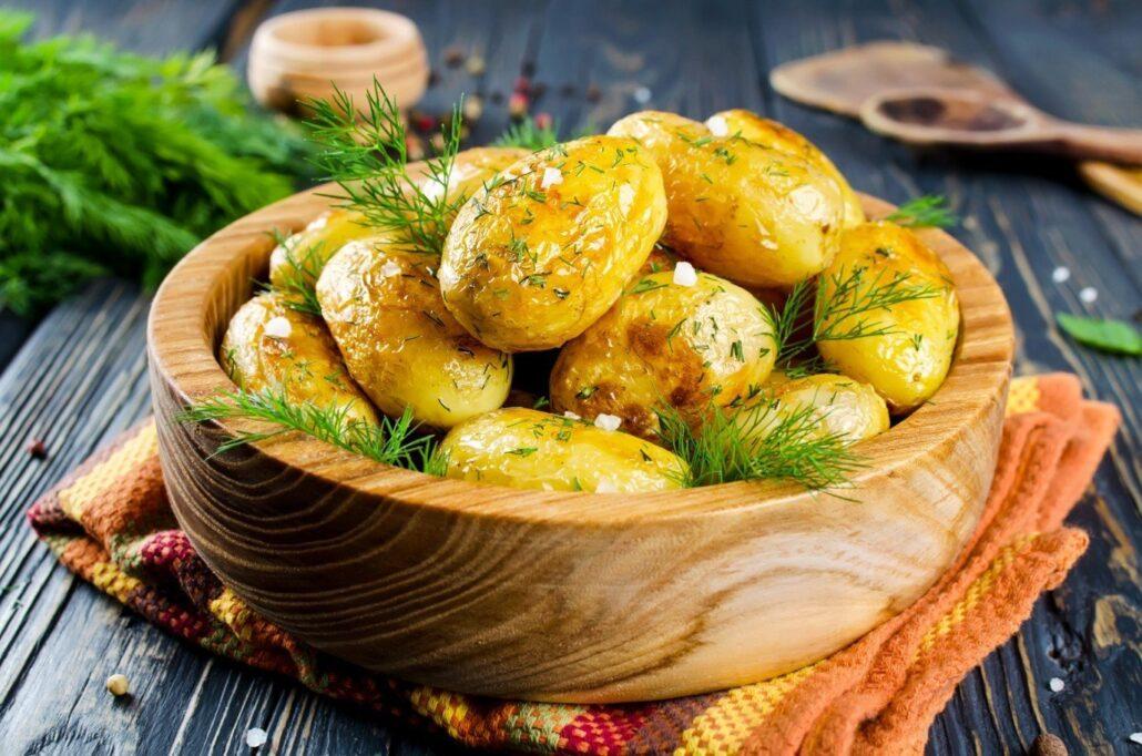 Запеченный картофель в мультиварке рецепты