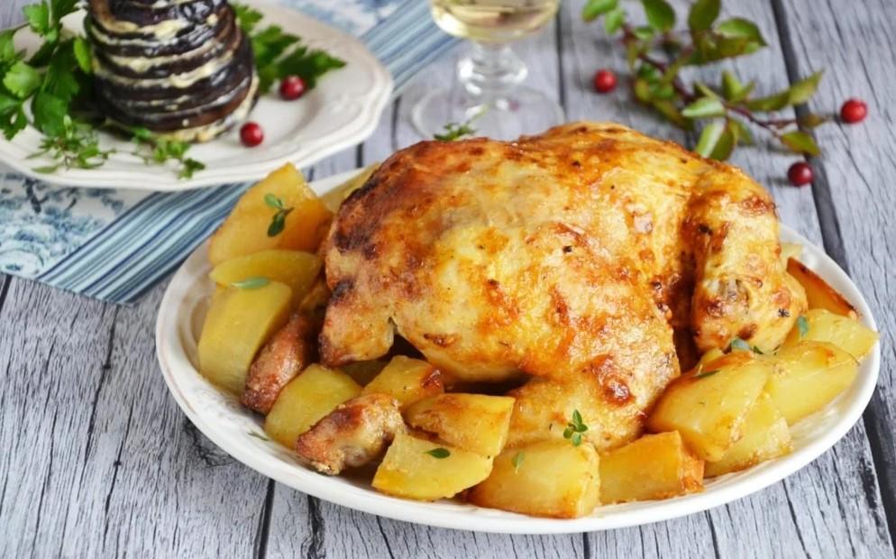 Запеченная курица с картошкой в мультиварке